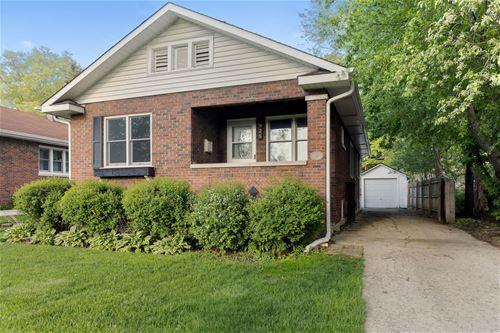 925 Webster, Wheaton, IL 60187