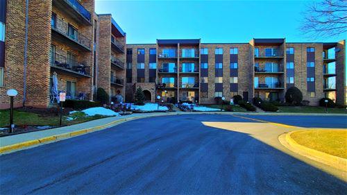 625 W Huntington Commons Unit 101, Mount Prospect, IL 60056