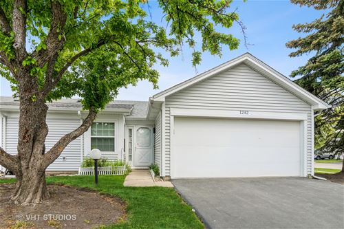 1242 Clematis, Streamwood, IL 60107