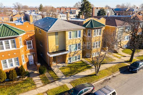 1833 Oak Park, Berwyn, IL 60402
