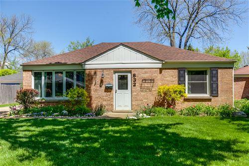 832 E Rockland, Libertyville, IL 60048