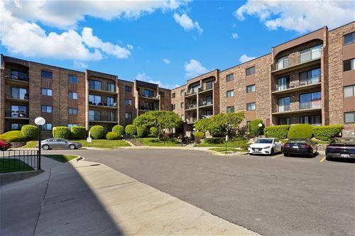 601 W Huntington Commons Unit 104, Mount Prospect, IL 60056