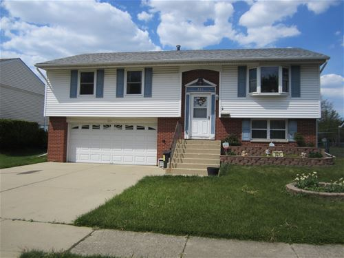 820 Woodland Heights, Streamwood, IL 60107