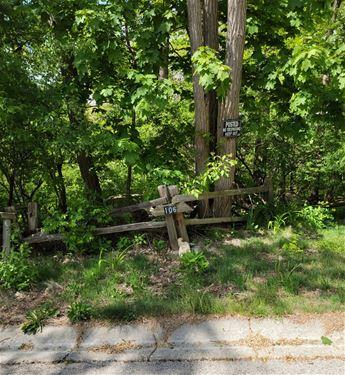 106 Wood, Algonquin, IL 60102