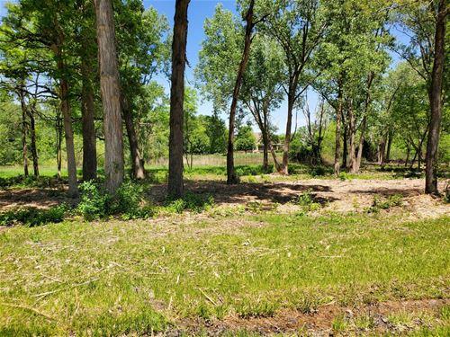 LOT 16 Oak Knoll, Gurnee, IL 60031