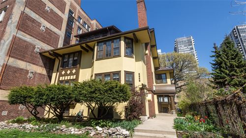 5733 N Kenmore, Chicago, IL 60660