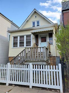 1641 W Barry, Chicago, IL 60657