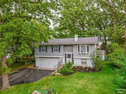 216 Hawthorne, Lake In The Hills, IL 60156
