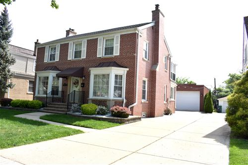 1907 Portsmouth, Westchester, IL 60154