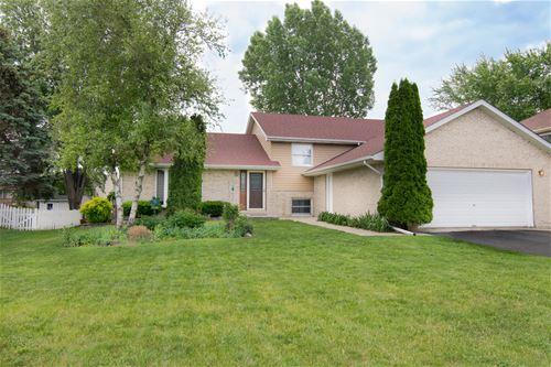 174 Ridgewood, Woodstock, IL 60098