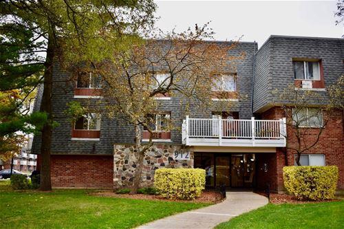 912 Ridge Unit 105, Elk Grove Village, IL 60007