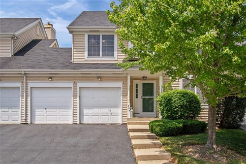 904 Derby, St. Charles, IL 60174