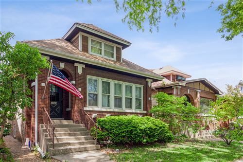 4442 N Lamon, Chicago, IL 60630