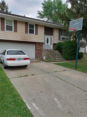 814 Hayward, Streamwood, IL 60107