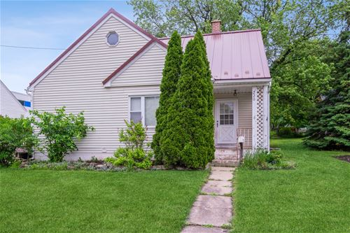 220 May, Sycamore, IL 60178