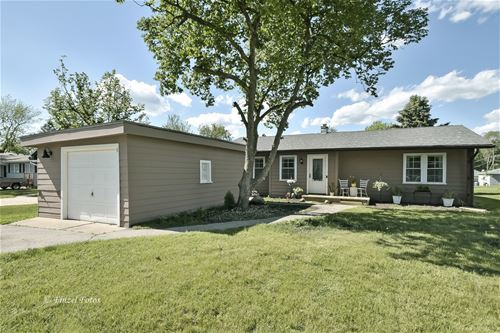 11 Woody, Lake In The Hills, IL 60156