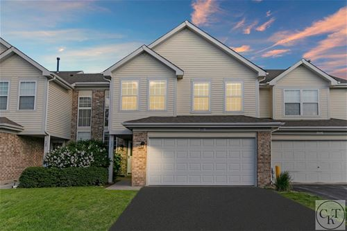 143 Sussex, Roselle, IL 60172
