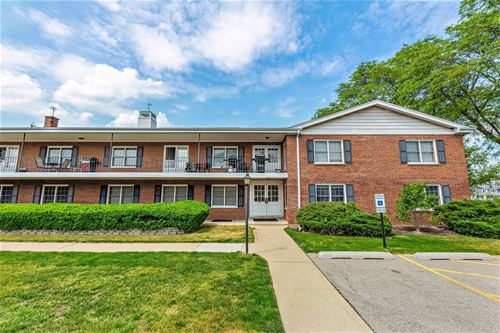 2812 Dundee Unit 6C, Northbrook, IL 60062