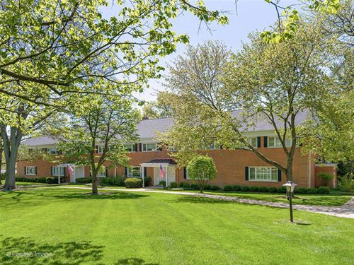 905 Chanticleer, Hinsdale, IL 60521