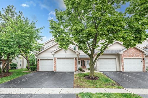 84 Golfview, Glendale Heights, IL 60139