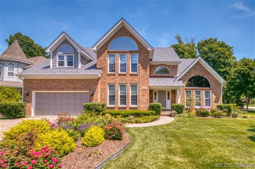 1002 Thoroughbred, St. Charles, IL 60174