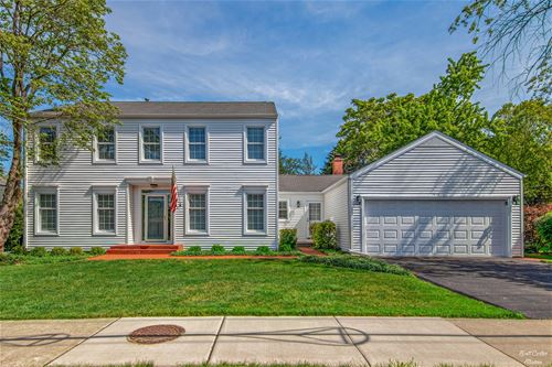 1814 E Oakton, Arlington Heights, IL 60004