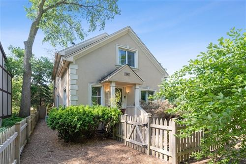 1348 Yager, Highland Park, IL 60035