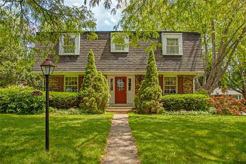 255 S Wulff, Cary, IL 60013