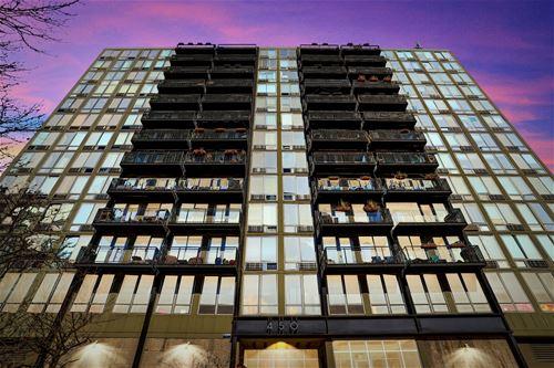 450 W Briar Unit 8C, Chicago, IL 60657
