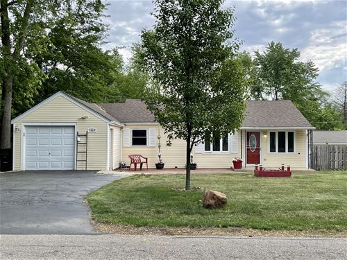 1018 Maple, Lake In The Hills, IL 60156