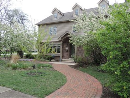 525 Spring, Roselle, IL 60172