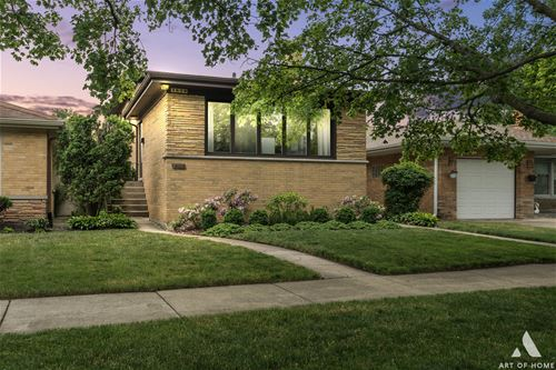 3839 W Sherwin, Lincolnwood, IL 60712