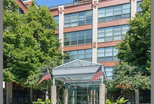 1800 W Roscoe Unit 415, Chicago, IL 60657