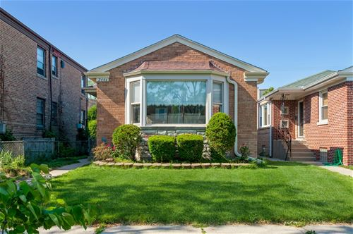 2446 W Jarvis, Chicago, IL 60645