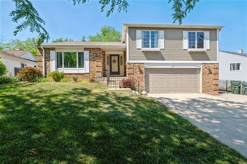 130 Robincrest, Lindenhurst, IL 60046