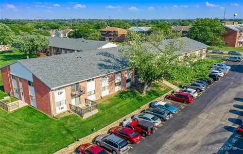 680 Marilyn Unit 6-101, Glendale Heights, IL 60139