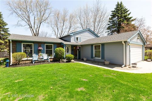 1148 Weeping Willow, Libertyville, IL 60048