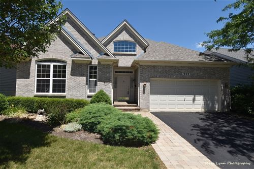 909 Viewpointe, St. Charles, IL 60174