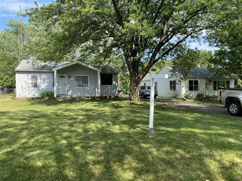 1006 Maple, Lake In The Hills, IL 60156
