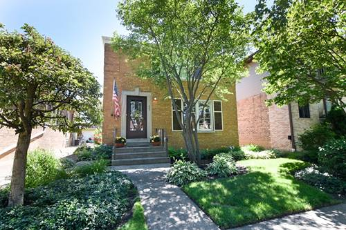 803 Portsmouth, Westchester, IL 60154