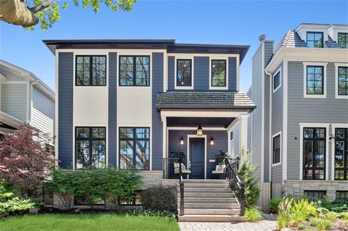 2117 W Eastwood, Chicago, IL 60625