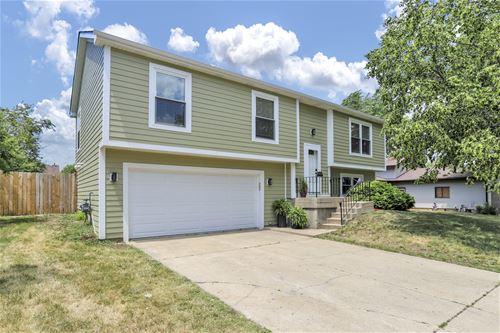 304 Huntington, Streamwood, IL 60107