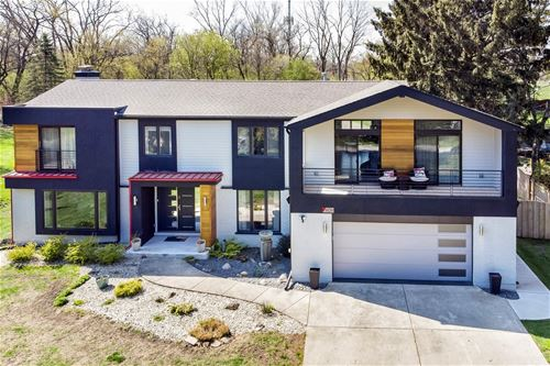 909 Edward, Prospect Heights, IL 60070