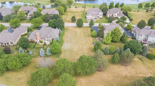 111 Boulder, Lake In The Hills, IL 60156