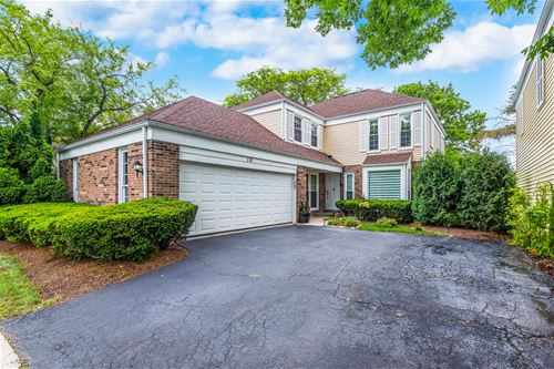 10 The Court Of Lagoon View, Northbrook, IL 60062