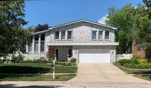 904 Pfingsten, Glenview, IL 60025