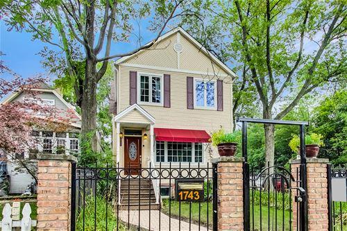1743 W Farwell, Chicago, IL 60626