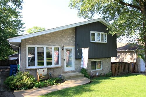 554 W Comstock, Elmhurst, IL 60126