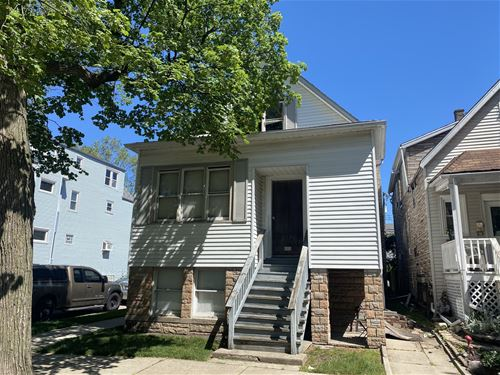 2226 W Berwyn, Chicago, IL 60625