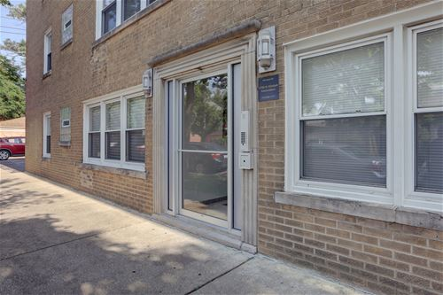 5759 N Kimball Unit 101, Chicago, IL 60659